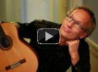 Video med akustisk spansk guitarmusik spillet af Mathias From